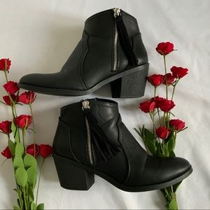 SODA Basic Women's Black Ankle Booties - Size 7.5
